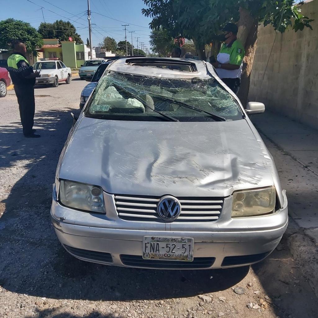 Destroza su auto en San Pedro y dice que lo prestó