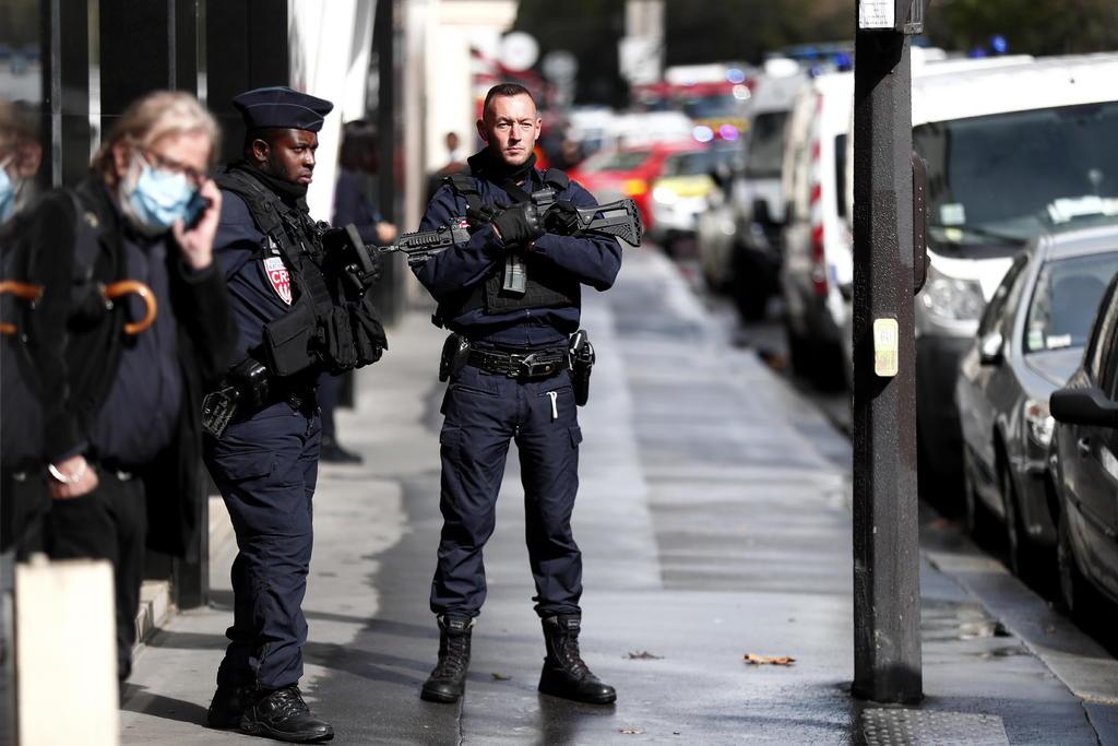 Detienen a sospechoso de ataque en París; hay dos heridos graves. Noticias en tiempo real