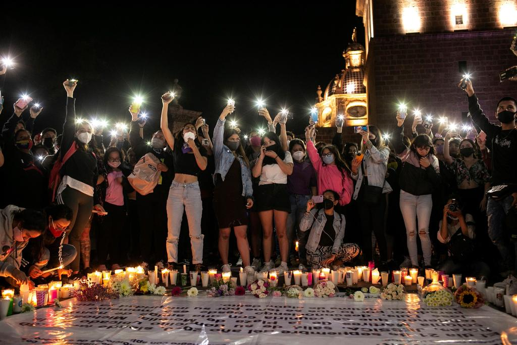 Protestan en calles de Michoacán tras asesinato de joven maestra. Noticias en tiempo real
