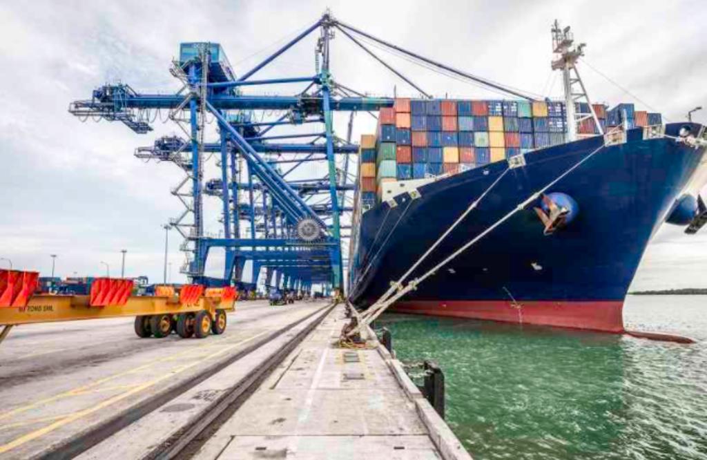 Desacelera el crecimiento mensual de exportaciones en agosto. Noticias en tiempo real