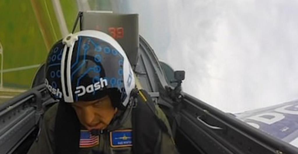 Piloto pierde el conocimiento en pleno vuelo tras una rápida maniobra. Noticias en tiempo real