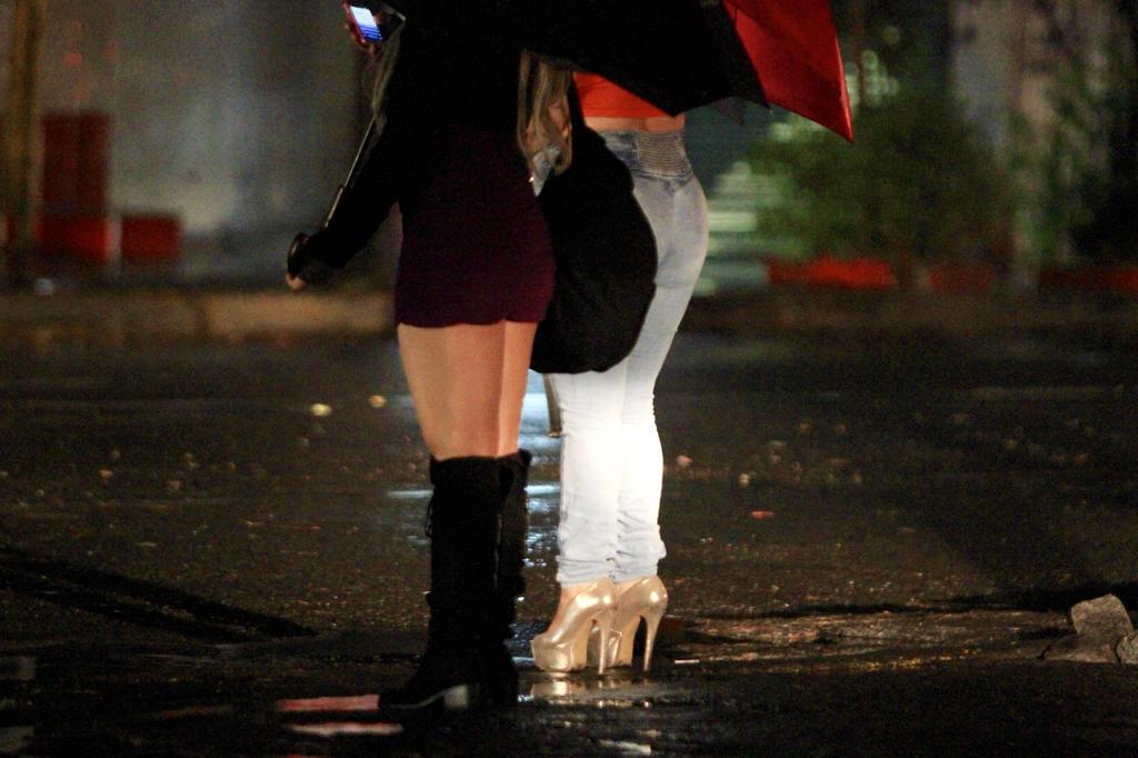 Bruselas prohíbe la prostitución para frenar al COVID-19. Noticias en tiempo real