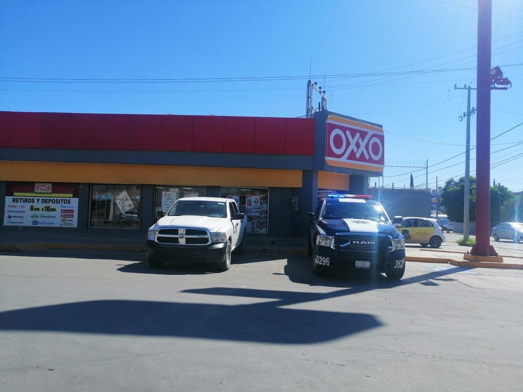 Asaltan con violencia tienda de conveniencia en Torreón. Noticias en tiempo real