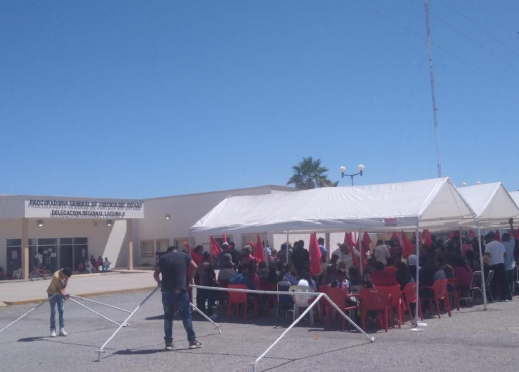Antorchistas mantienen plantón en la Fiscalía de San Pedro. Noticias en tiempo real