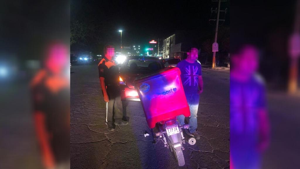 Motociclista se lesiona tras choque alcance en la colonia Filadelfia de Gómez Palacio. Noticias en tiempo real