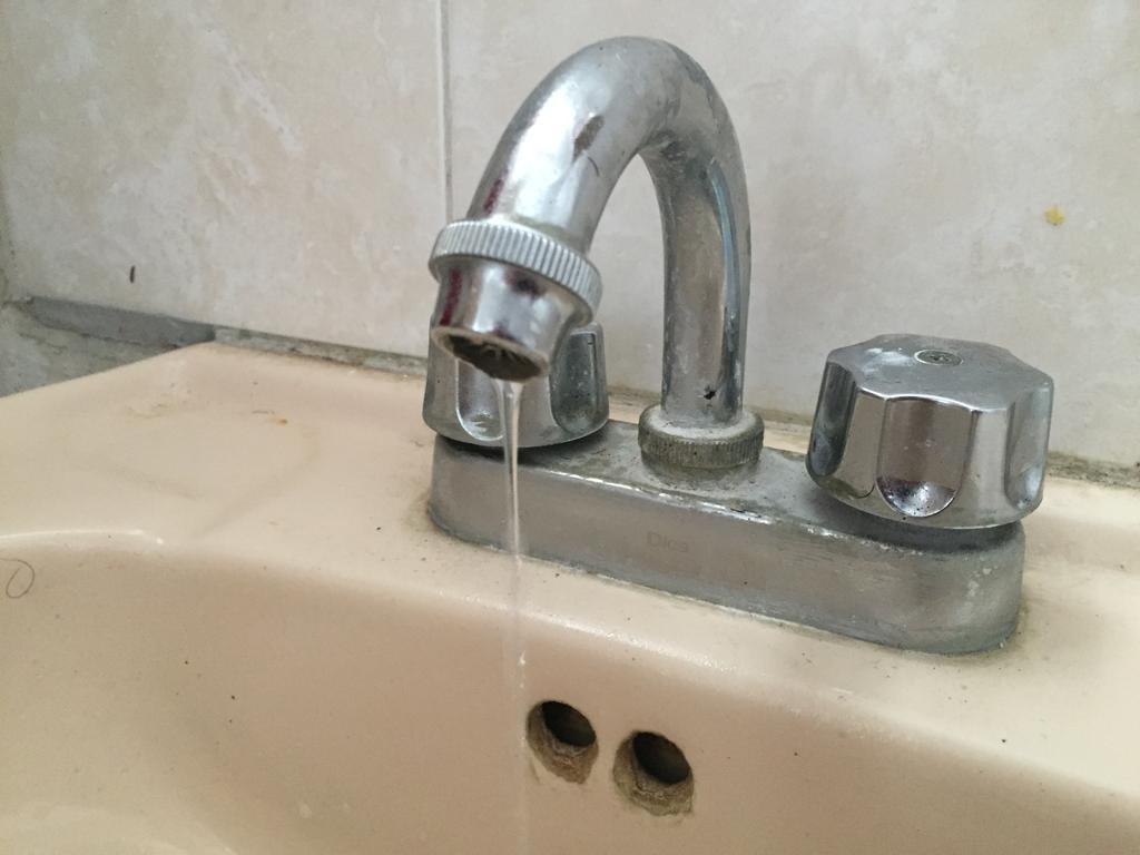 Reportan falla en el suministro de agua potable en varios sectores de Lerdo. Noticias en tiempo real