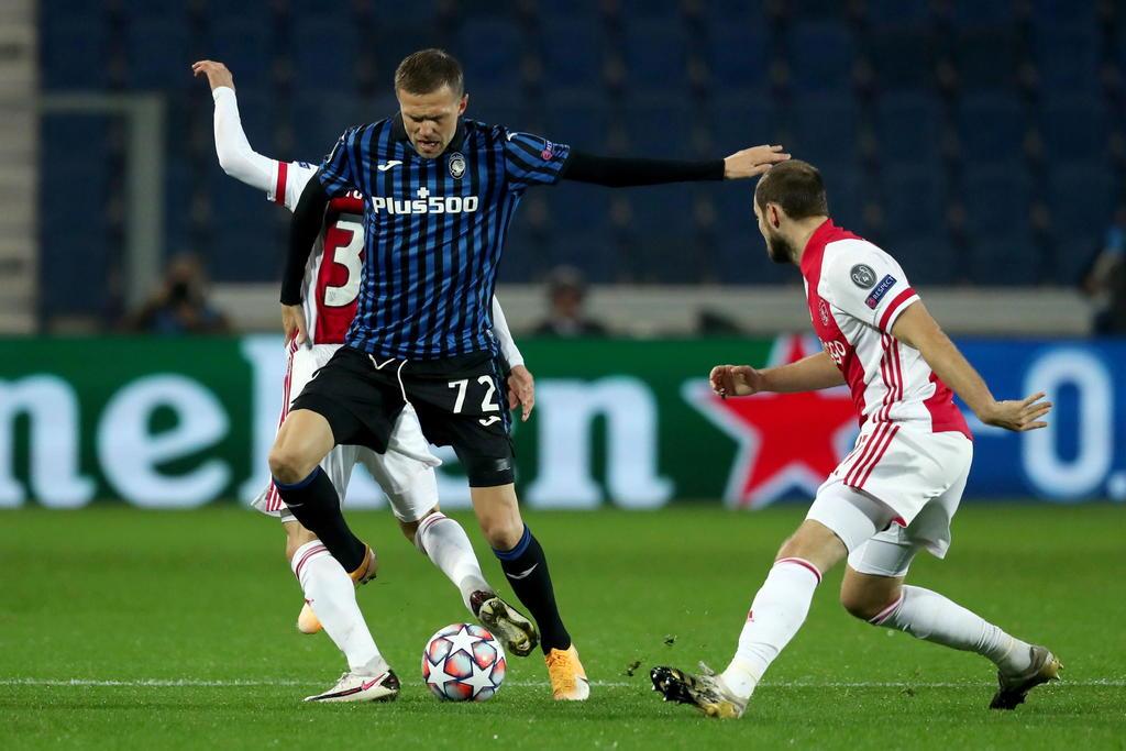 Sin Edson Álvarez, Ajax empata ante el Atalanta. Noticias en tiempo real