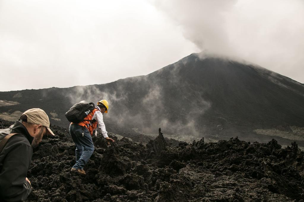 Preparan reapertura de aldeas en volcán Pacaya de Guatemala. Noticias en tiempo real