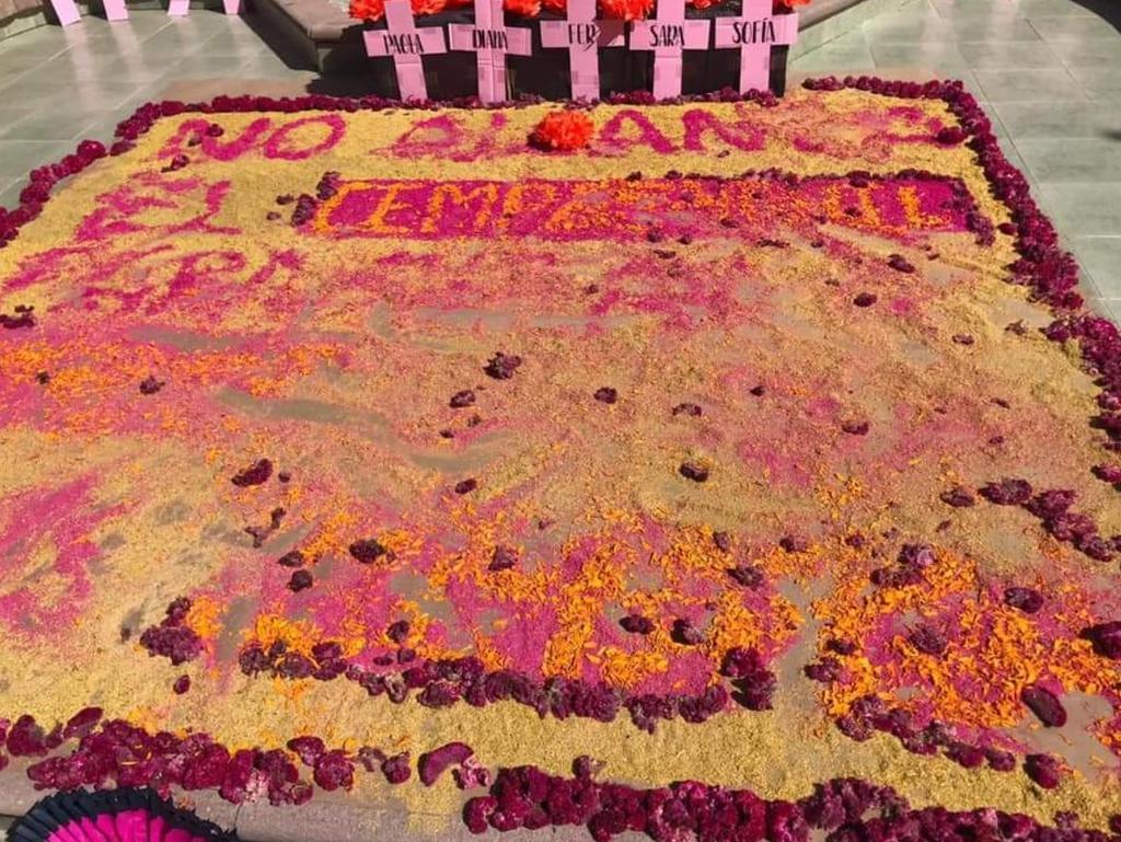Altar de muertos a feminicidios es destrozado por perros. Noticias en tiempo real