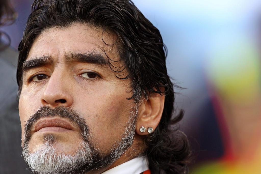 Diego Maradona, su infancia, carrera y polémicas. Noticias en tiempo real