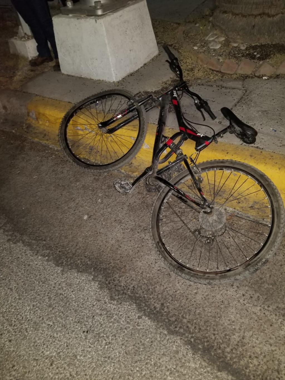 Vehículo impacta a ciclista en Gómez Palacio. Noticias en tiempo real
