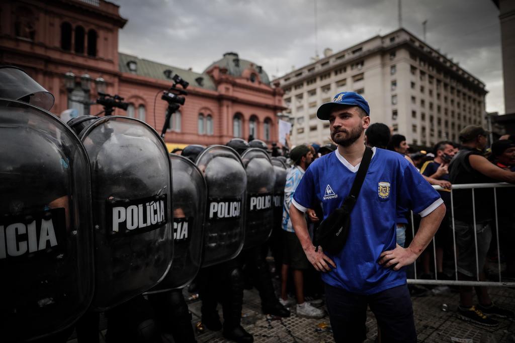 Abren en la Casa Rosada el velatorio público de Maradona. Noticias en tiempo real