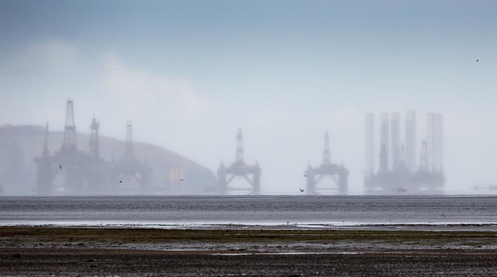 Supera los 48 dólares el barril de petróleo Brent. Noticias en tiempo real