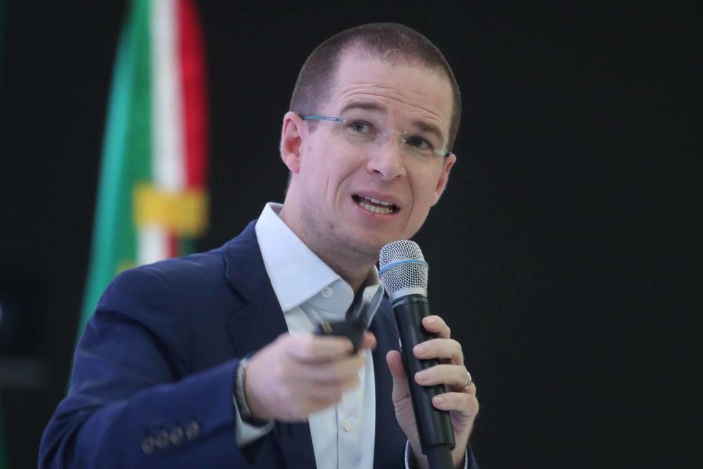 Ricardo Anaya llama lambiscón a López-Gatell. Noticias en tiempo real