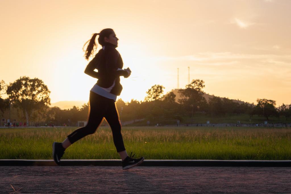 ¿Cuánto ejercicio debo hacer si paso todo el día sentado?. Noticias en tiempo real