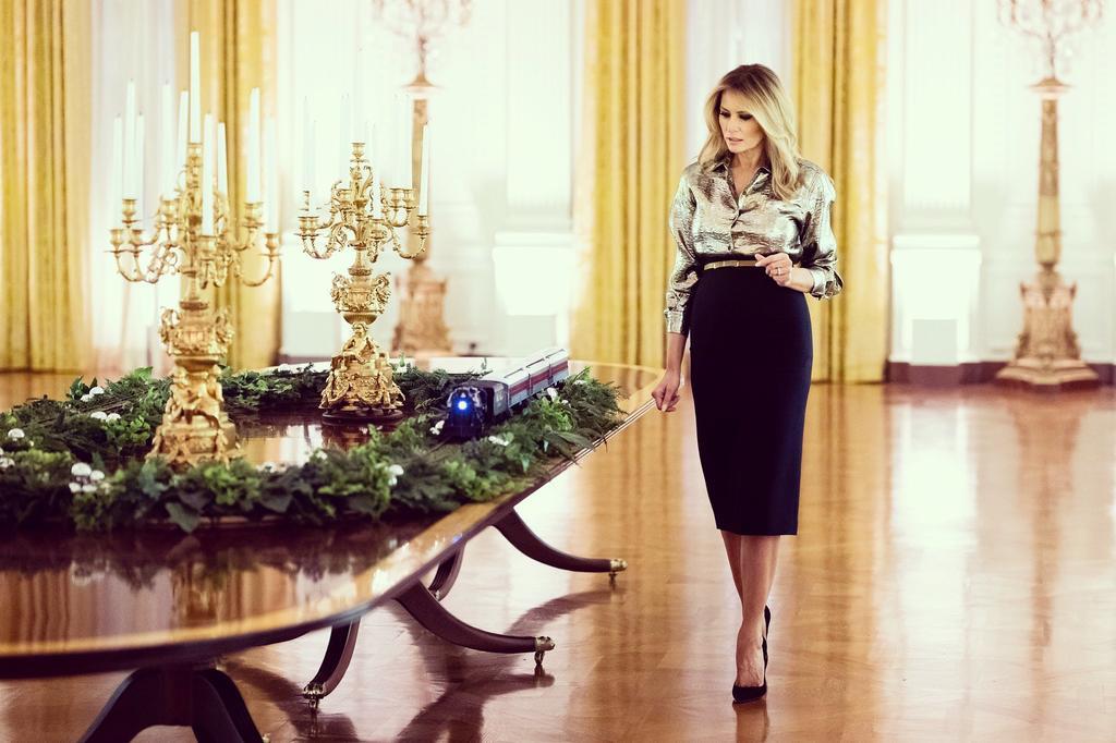 Melania Trump decora por última ocasión la Casa Blanca. Noticias en tiempo real