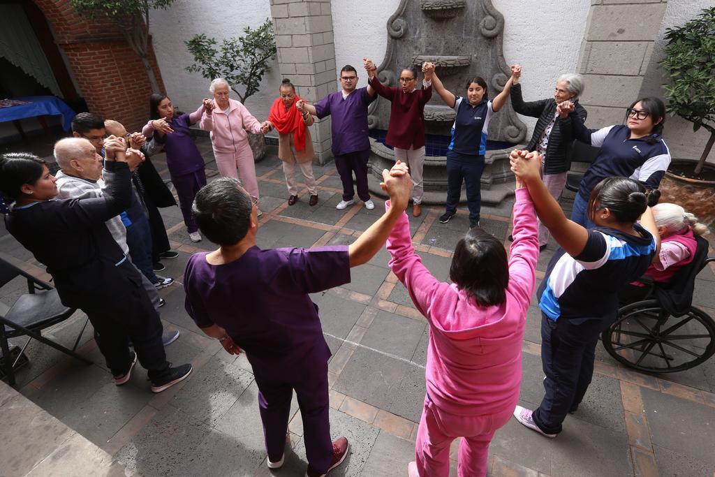 Aprueban diputados sancionar con cárcel abandono de adultos mayores en México. Noticias en tiempo real