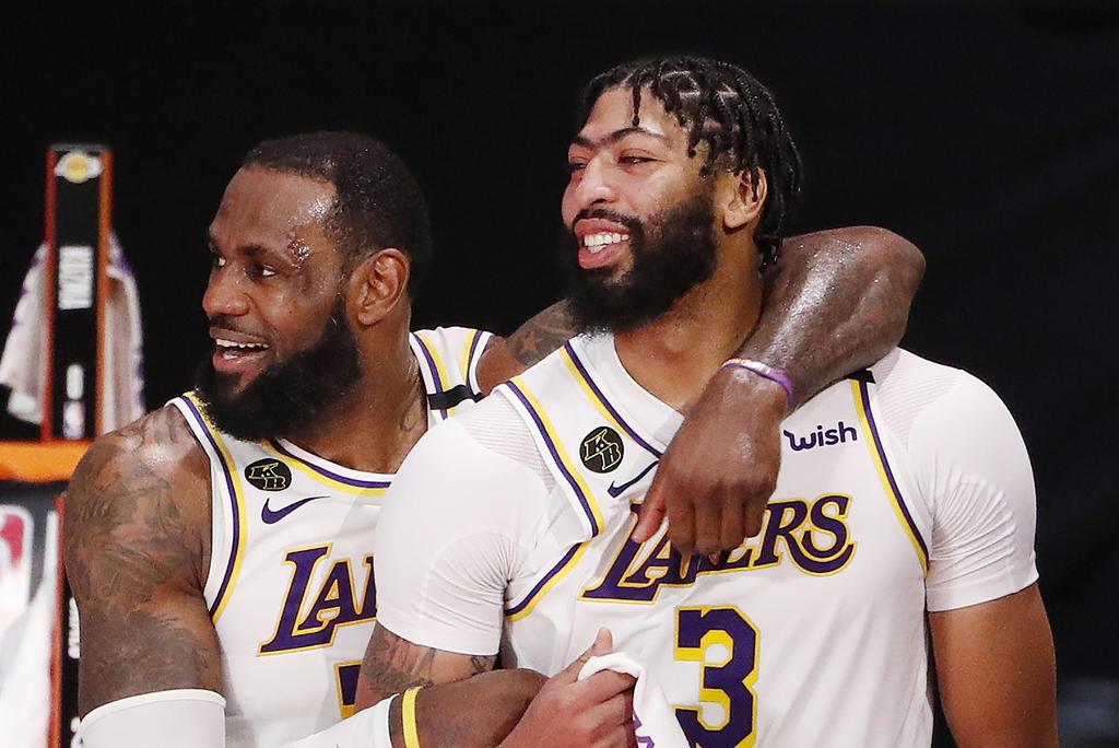 Anthony Davis cierra contrato millonario para seguir con los Lakers. Noticias en tiempo real