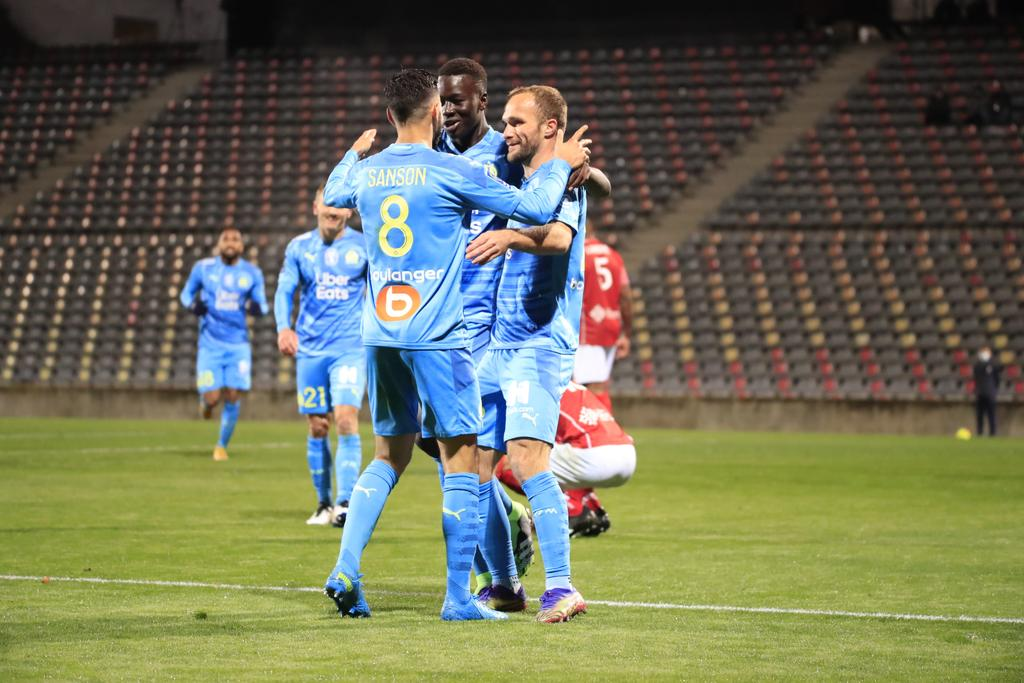 Marsella derrota a Nîmes 2-0, se acerca al liderato. Noticias en tiempo real