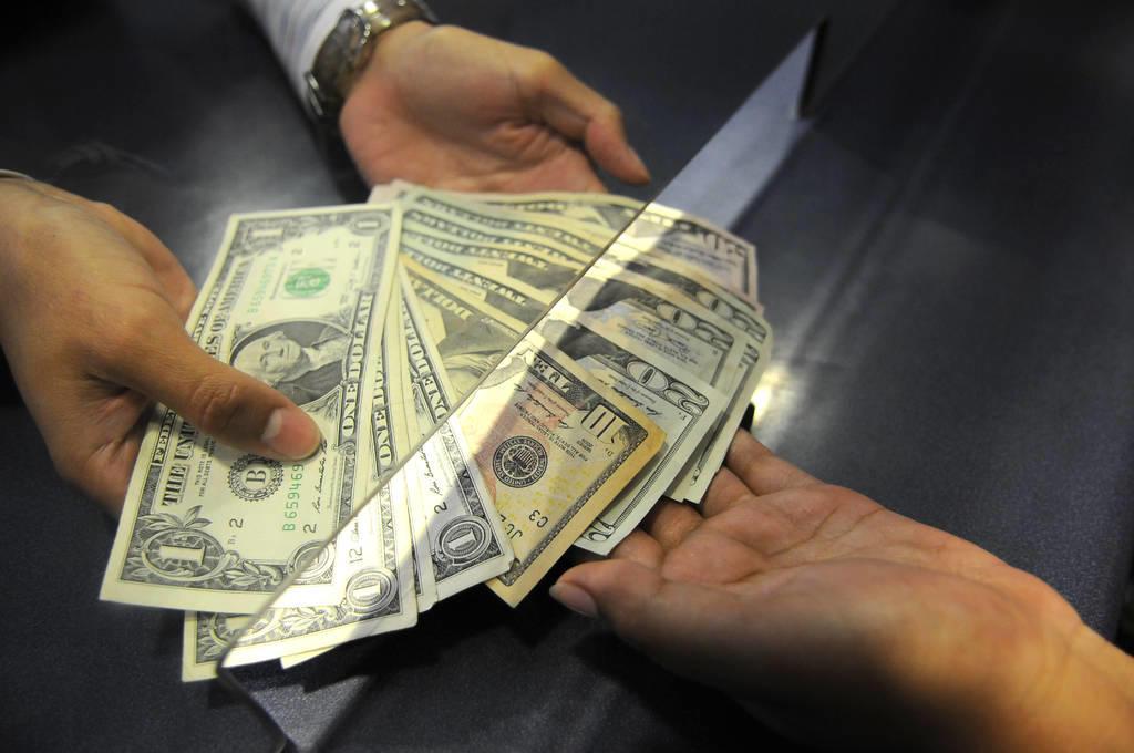 Dólar supera los 20 pesos por primera vez desde el 12 de enero