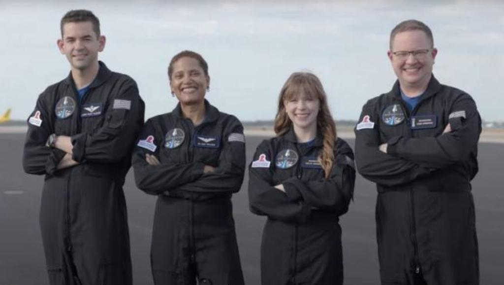 Primera misión civil al espacio completa su tripulación de cuatro personas,  El Siglo de Torreón