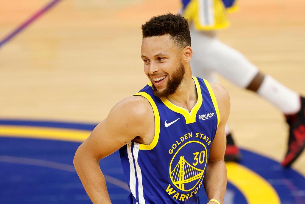 Stephen Curry consigue 33 puntos en victoria de Warriors ante Cavaliers. Noticias en tiempo real