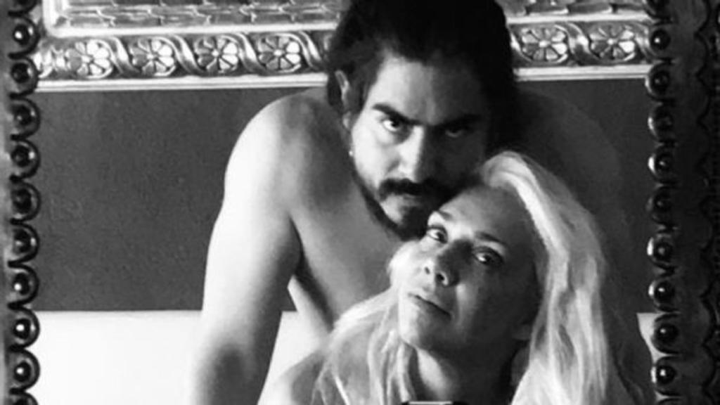 Cynthia Klitbo anuncia su separación de Rey Grupero. Noticias en tiempo real