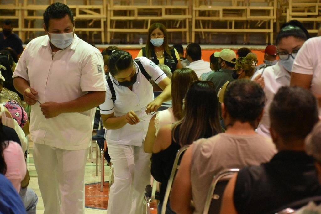 Vacunación COVID para adultos de 30 a 39 años inicia en Sabinas, El Siglo  de Torreón