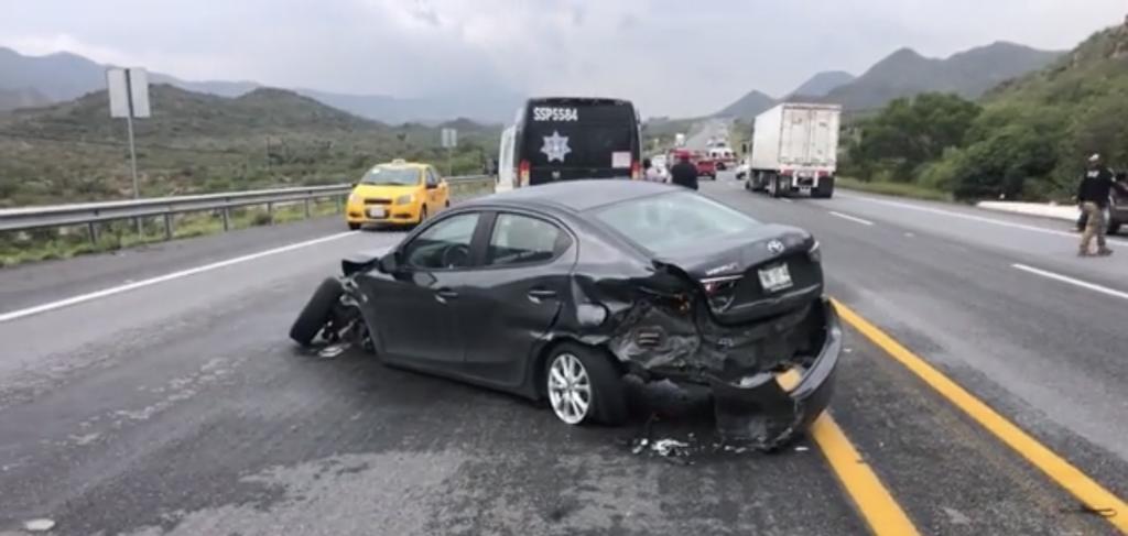 Volcadura se registra en carretera Saltillo-Torreón