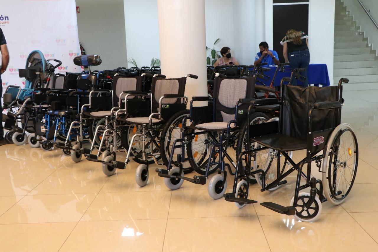 DIF Torreón invierte más de 400 mil pesos en sillas de ruedas y aparatos ortopédicos. Noticias en tiempo real
