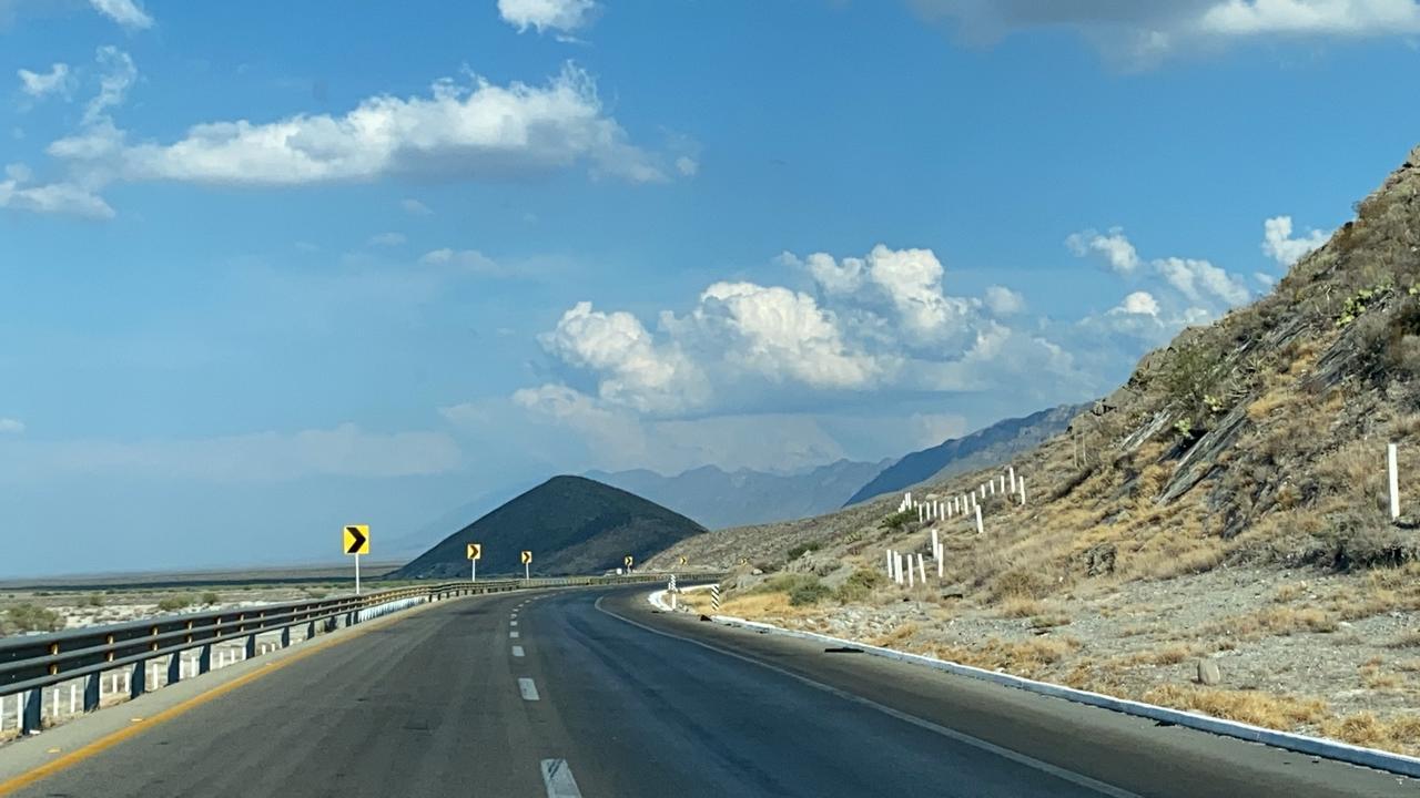 Dependencias avanzarán en reubicación de línea de agua y gas en obra de carretera Zacatecas a Derramadero. Noticias en tiempo real