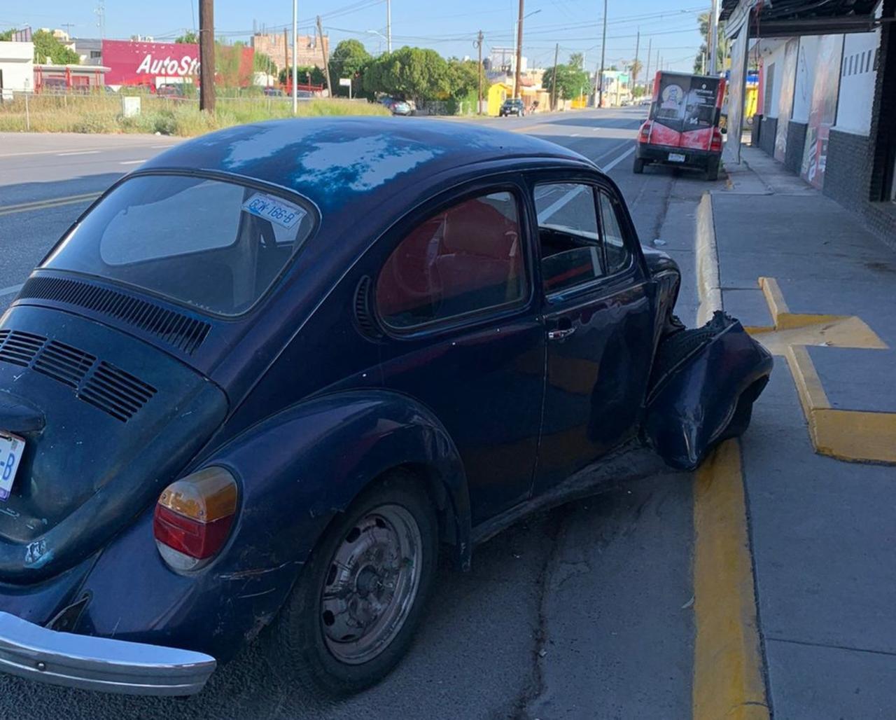 Conductor de camioneta huye tras provocar accidente en Torreón. Noticias en tiempo real