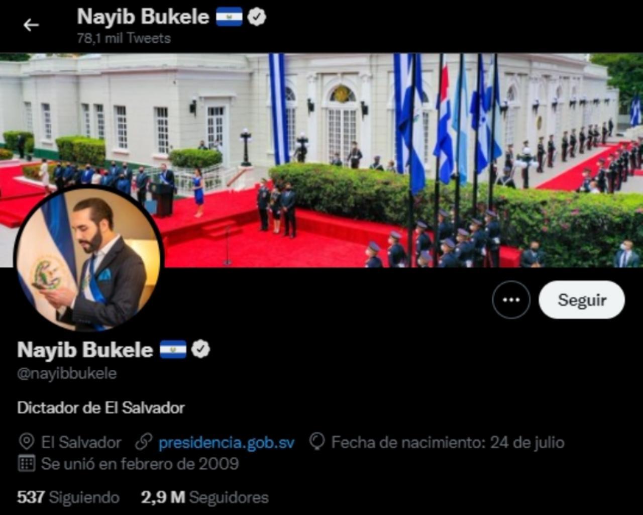 El presidente Nayib Bukele escribe en su biografía de Twitter dictador de El Salvador. Noticias en tiempo real