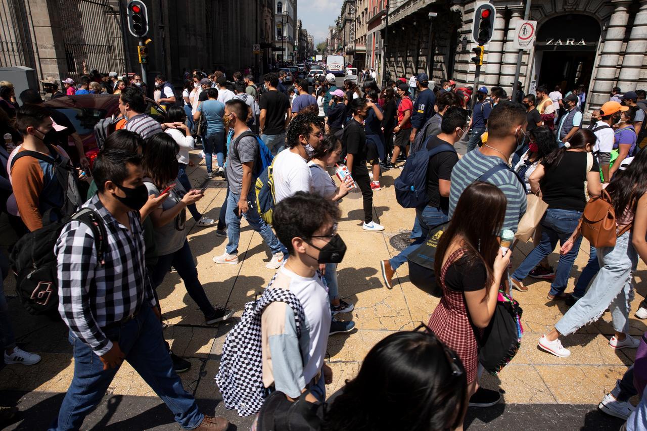 México reporta 420 nuevas muertes por COVID. Noticias en tiempo real